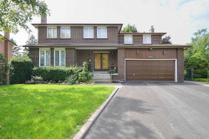 17 Sabrina Crt, Richmond Hill