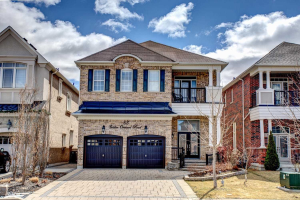 83 Golden Orchard Rd, Vaughan