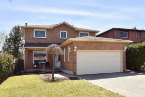 110 Houseman Cres, Richmond Hill