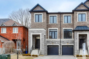 87 Benson Ave, Richmond Hill