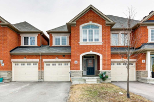 135 Walter Sinclair Crt, Richmond Hill