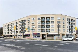 160 Wellington St E, Aurora