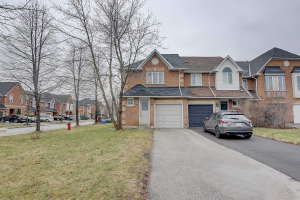 54 Royal Chapin Cres, Richmond Hill