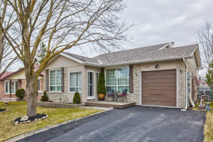 28 Cambridge Cres, Bradford West Gwillimbury