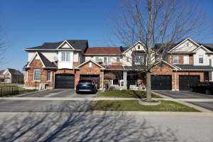 3 Battenberg Crt, East Gwillimbury