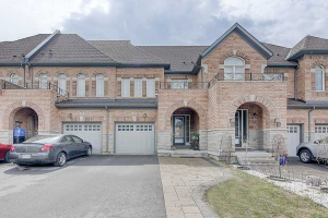 21 Paper Mills Cres, Richmond Hill