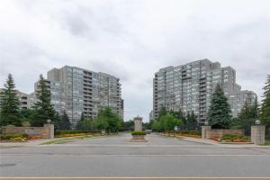 7 Townsgate Dr, Vaughan