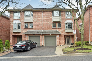 125 Weldrick Rd W, Richmond Hill