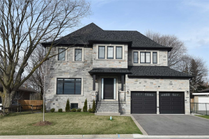 71 Sussex Ave, Richmond Hill