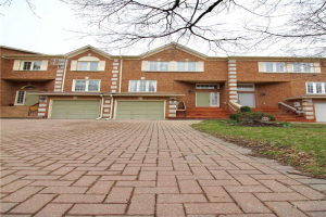 14 Royal Manor Cres, Richmond Hill