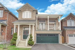 11 Ivandale Rd, Whitchurch-Stouffville