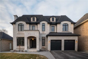 60 Bond Cres, Richmond Hill