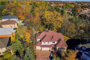 22 Stockdale Cres, Richmond Hill