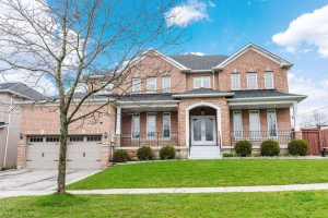 16 Mocha Cres, Richmond Hill