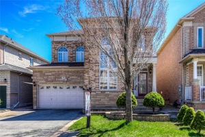 39 Shadetree Cres, Vaughan