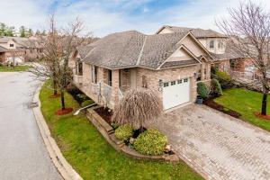 100 Bella Vista Tr, New Tecumseth