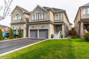 123 Martini Dr, Richmond Hill