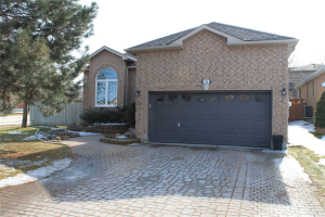 206 Golden Meadow Rd, Barrie