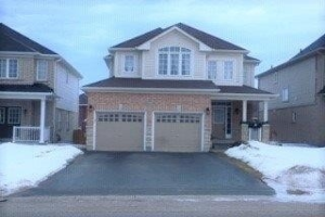 109 Sun King Cres, Barrie