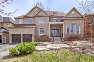13 Camelot Sq, Barrie