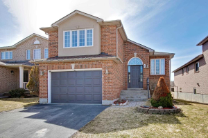9 Golds Cres, Barrie