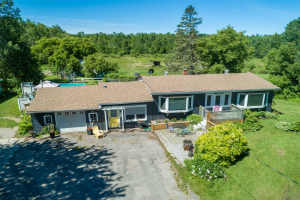 12244 County Rd 27 Rd, Springwater