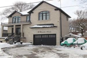 12 Brownlea Ave, Toronto