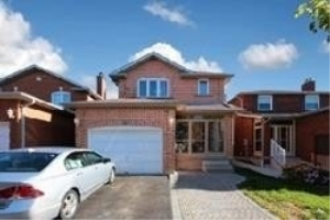 61 Michigan Ave, Brampton