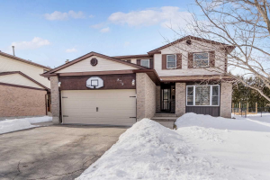 879 Maxted Cres, Milton