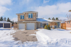 77 Moore Park Cres