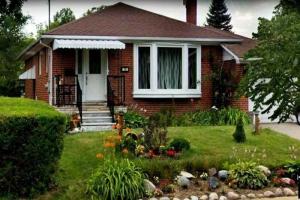 16 Mulgrove Dr, Toronto