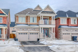77 Valleyway Dr, Brampton