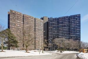 11 Wincott Dr, Toronto