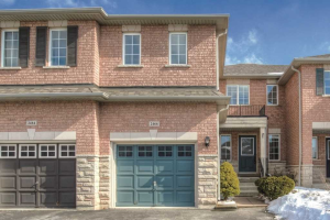 2466 Newcastle Cres, Oakville