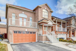 83 Queen Mary Dr