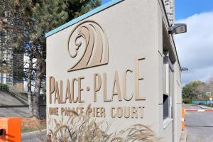 1 Palace Pier Crt, Toronto