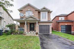12 Redfinch Way, Brampton