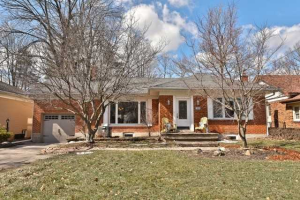 409 River Side Dr, Oakville