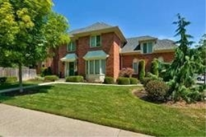 529 Pipers Green, Oakville