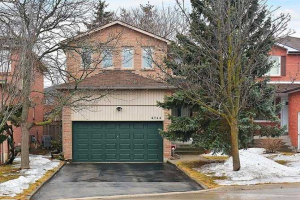 6714 Harlow Rd, Mississauga