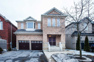 249 Father Tobin Rd, Brampton