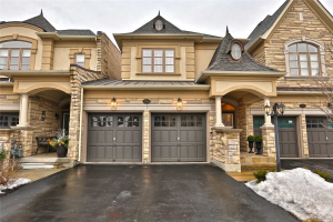 2361 Chateau Common, Oakville