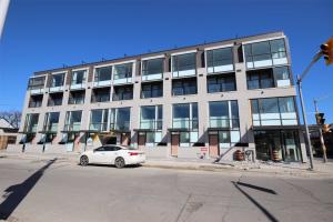301 Gilmour Ave, Toronto