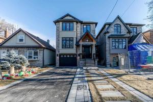 49 Roxaline St, Toronto