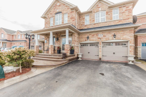 24 Griffith Crt, Brampton