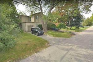 39 Oakfield Dr, Toronto
