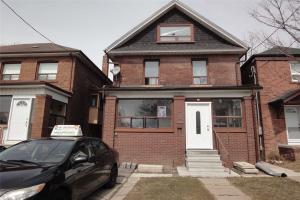 4 Dennis Ave, Toronto