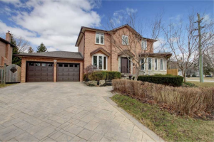 435 The Thicket, Mississauga