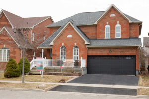 7086 Crickley Hill Crt, Mississauga