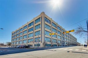 1001 Roselawn Ave, Toronto